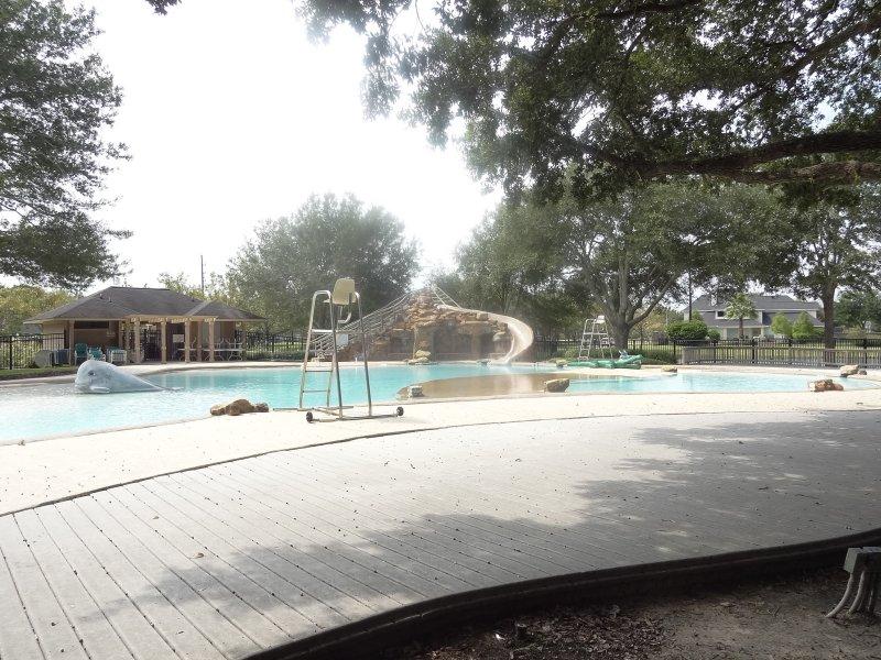 grand lakes pool3