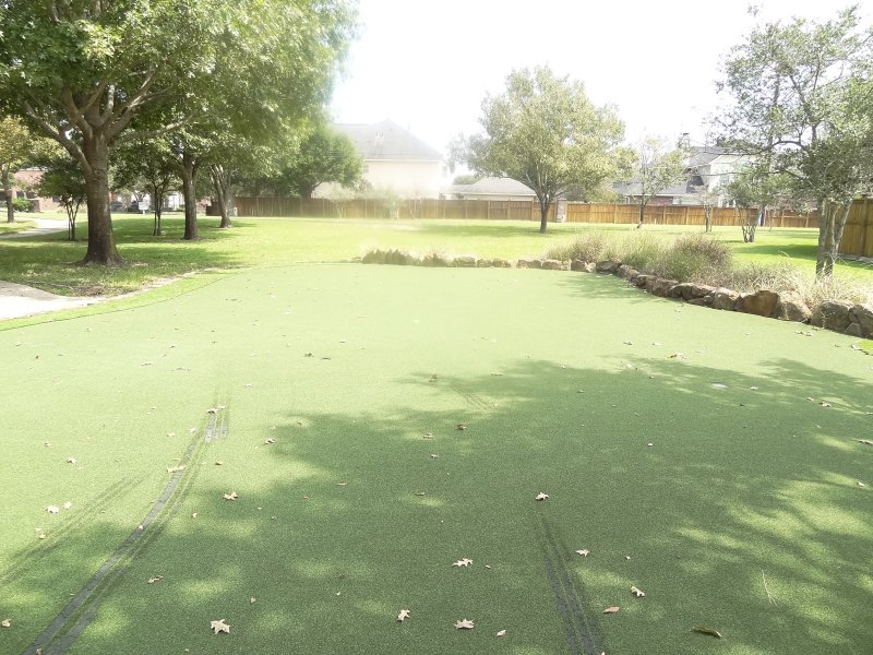 grand lakes putting green3